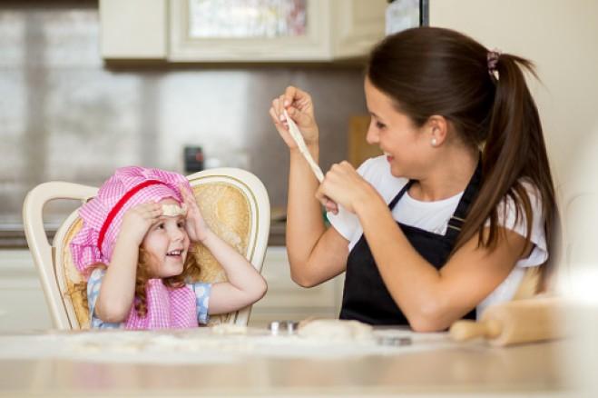 moglie-lavora-babysitter-spesa-ordinaria